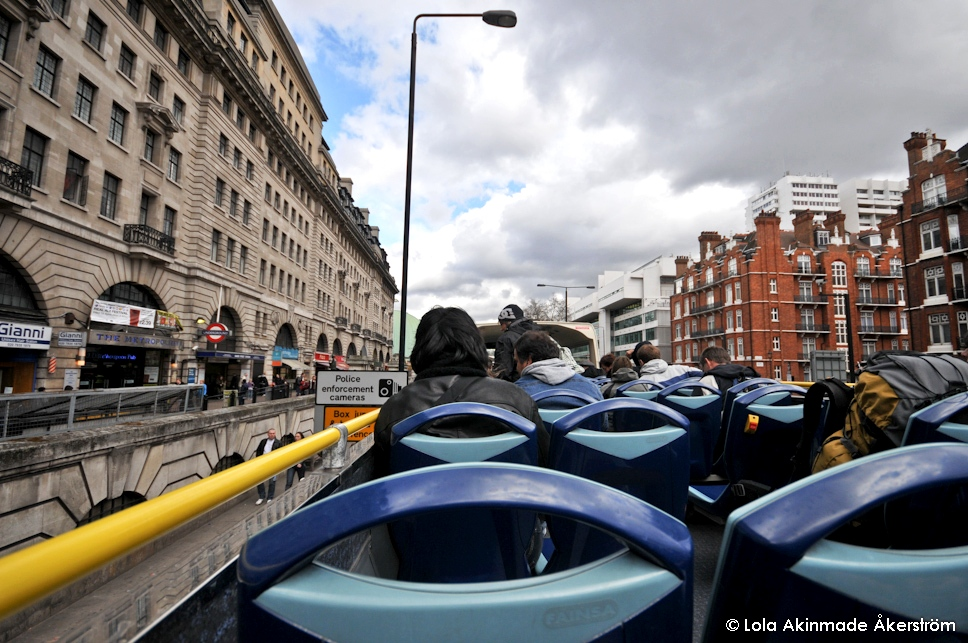 London Sightseeing Bus - Photography by Lola Akinmade Åkerström
