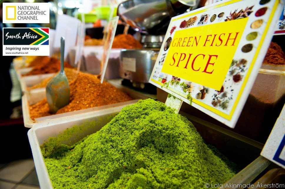 Indian spices at the market in Durban, South Africa - Food photography by Lola Akinmade Akerstrom