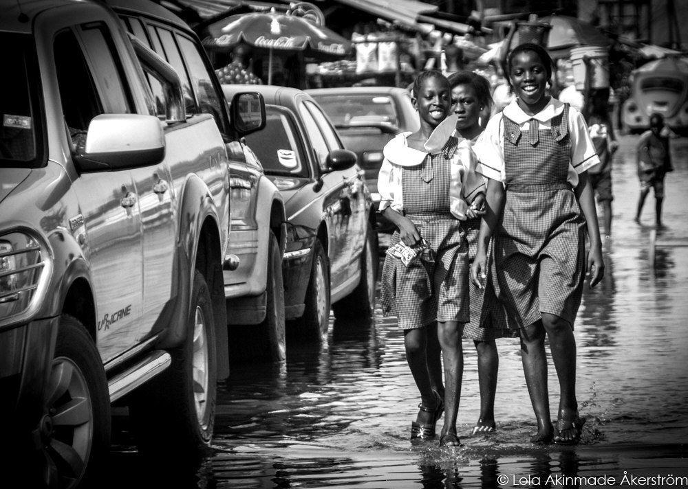 Nigerian schoolgirls - Photography by Lola Akinmade Åkerström