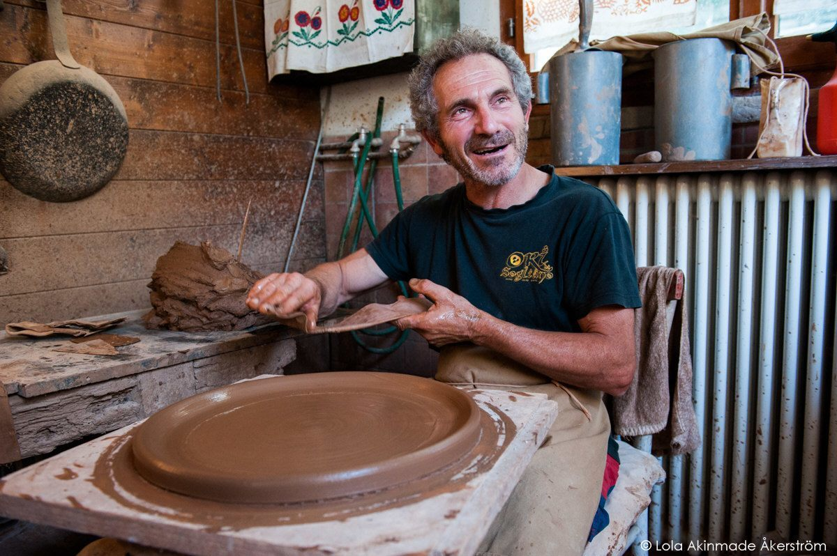 - Piadini Terracotta Pan makers of Montetiffi, Emilia Romagna, Italy